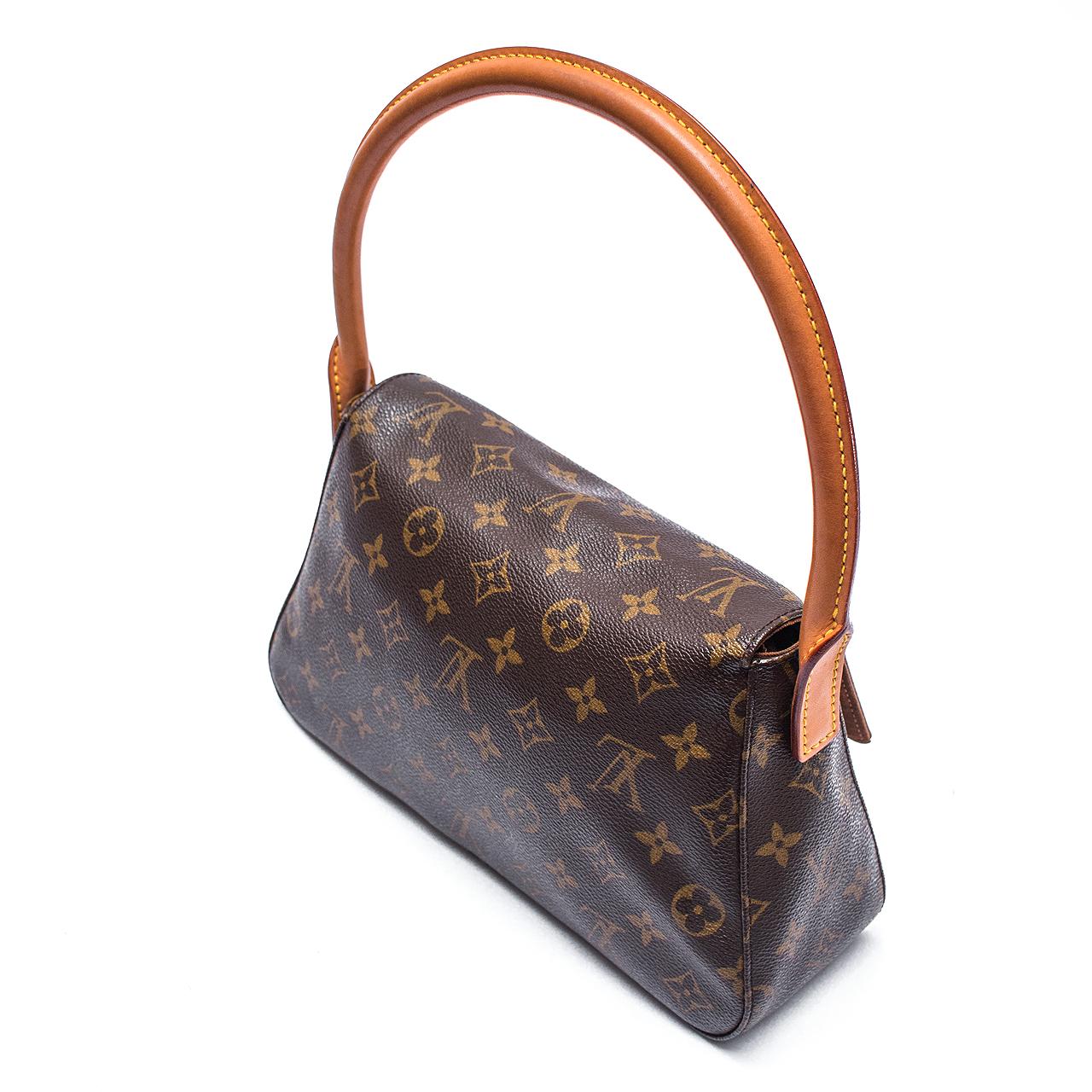 646f3fa6c Bolsa Louis Vuitton Ombro. Box de Grife_347