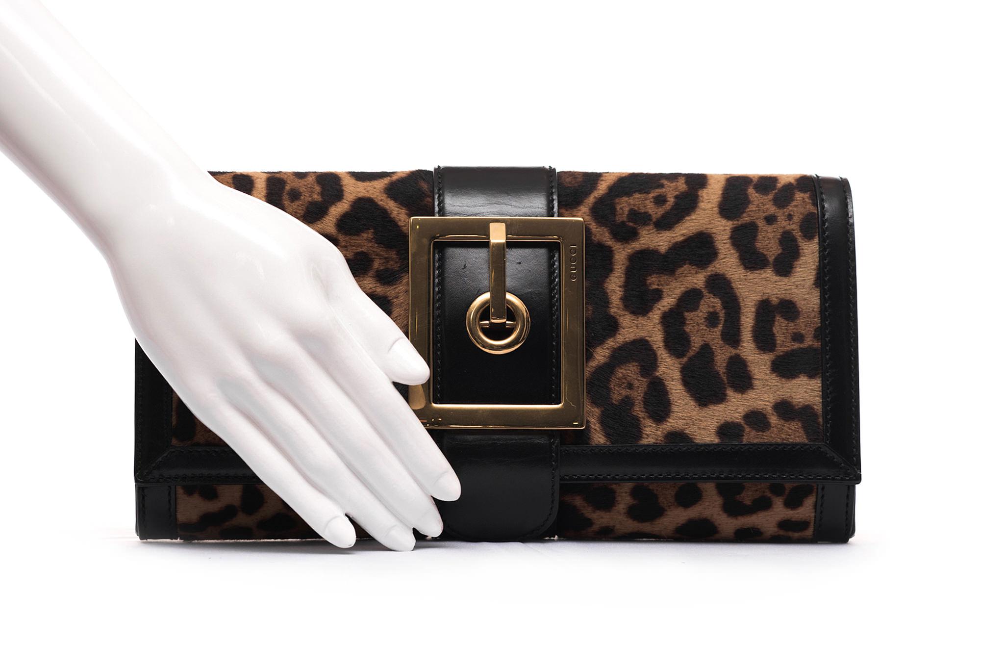 e4ec90038 Clutch Gucci Lady Buckle | Box de Grife